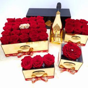 LUXURY BOX ROSES
